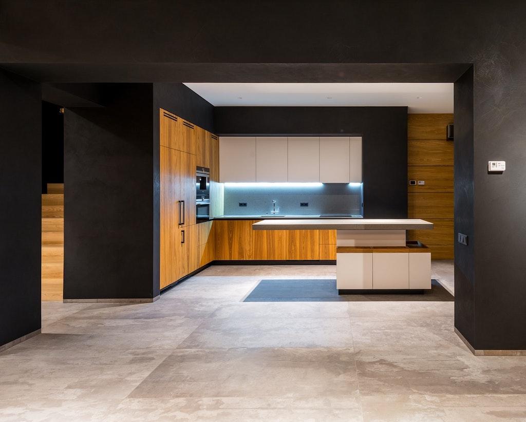 Lux housing